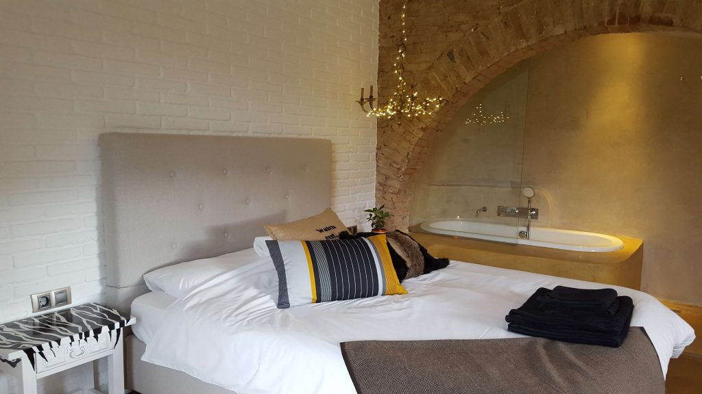 Double room with arch and garden