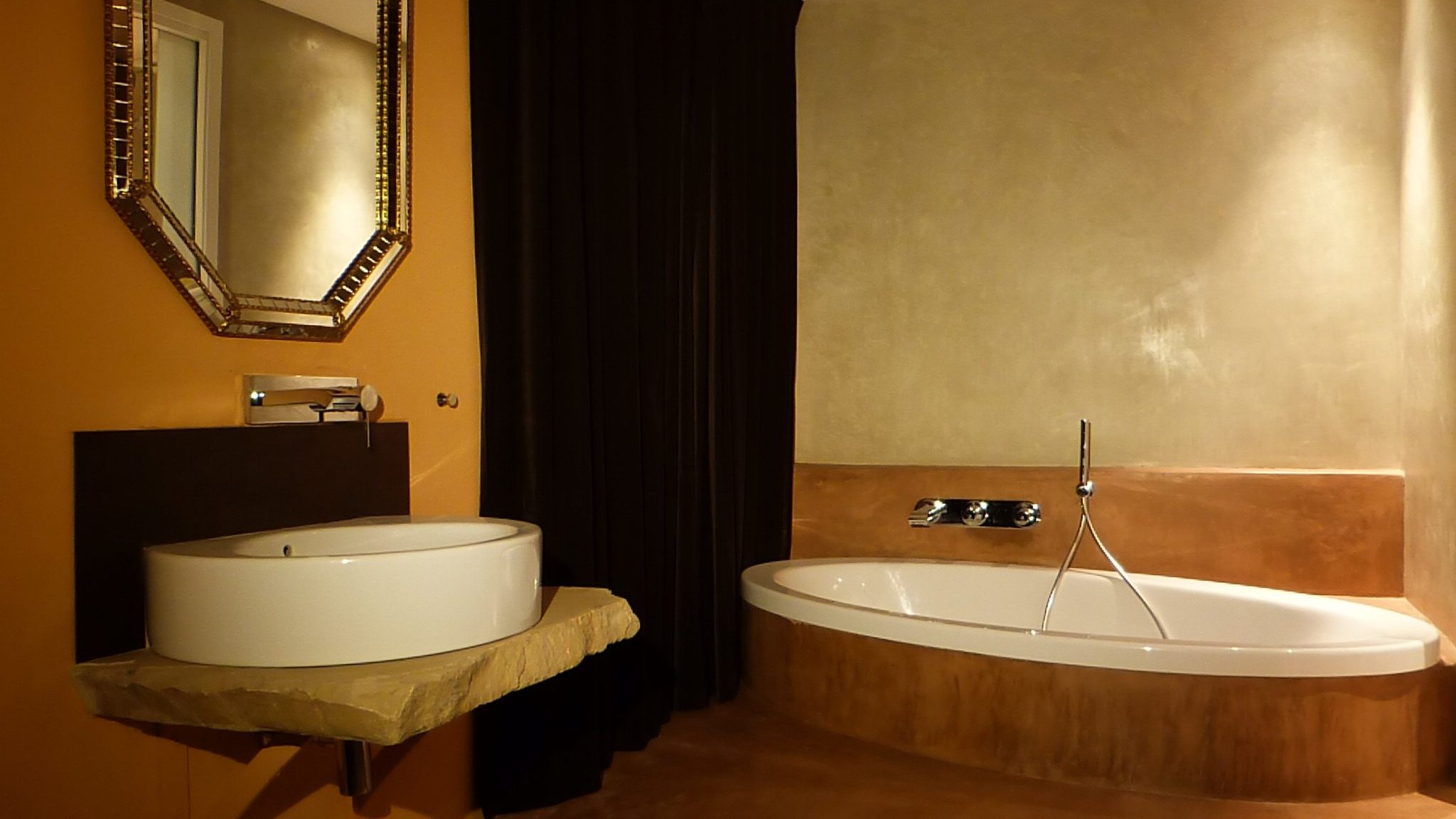 Bathroom of Deluxe double room with sea view